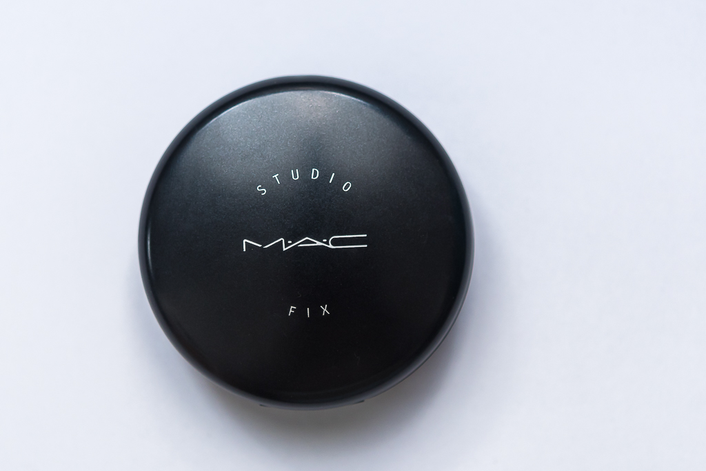 5 Products that you cannot live without-Face Powder